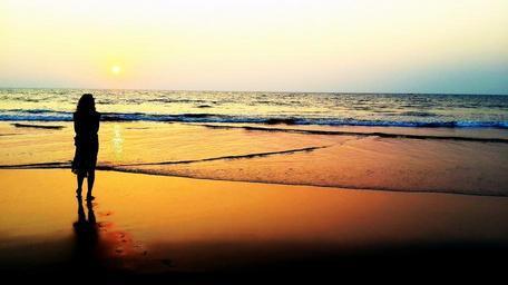 sunset_beach_woman_silhouette